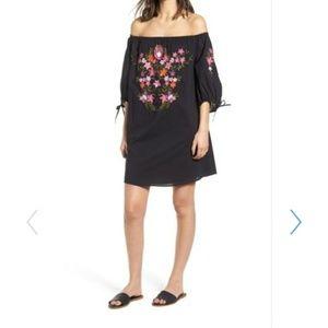 Hinge embroided Dress